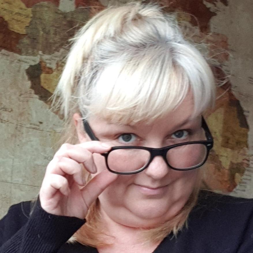 Jenny Klijnsmit kijkt door haar bril